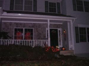 My front porch last Halloween.....wooooooo!