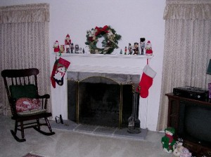 My stocking is on the left side with Mom's.......EMPTY!